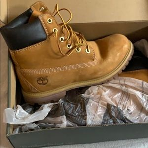Women's Classic Timberland Boots